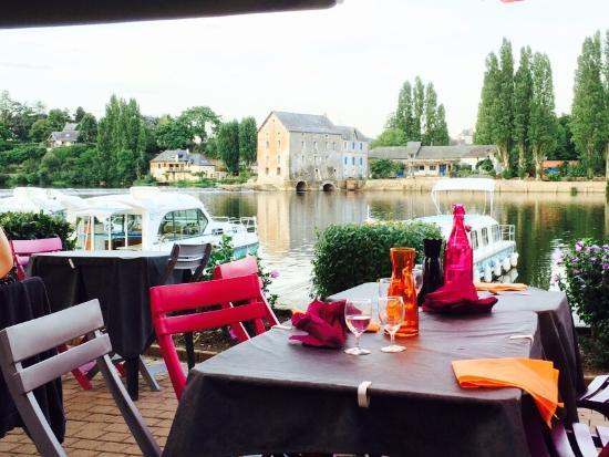 Grez-Neuville, France : Cadre enchanteur