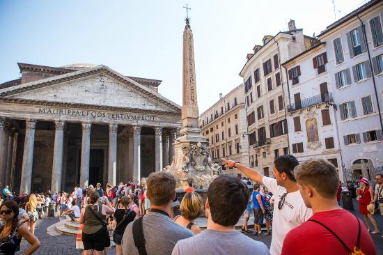 ‪Rome's Ultimate Free Walking Tours‬