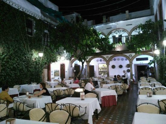 Patio central picture of restaurante casa palacio - Fotos patio andaluz ...