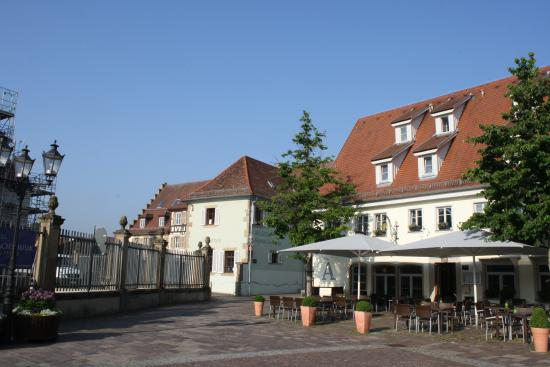 Bonnigheim, Tyskland: a sunny morning at the Adler am Schloss