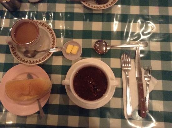 Dreamland Coffee House: セットの最初にくる物
