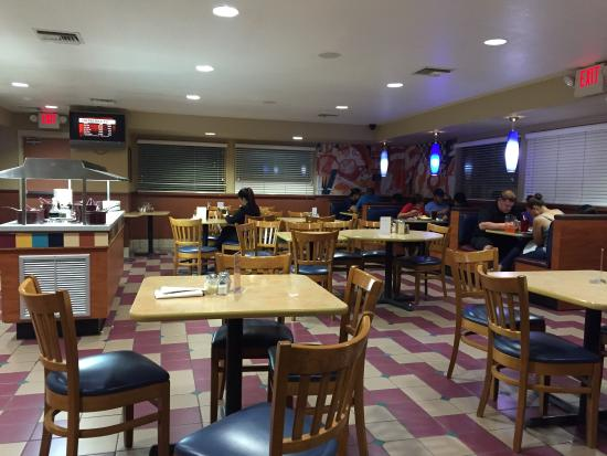 Pizza Hut: Interior
