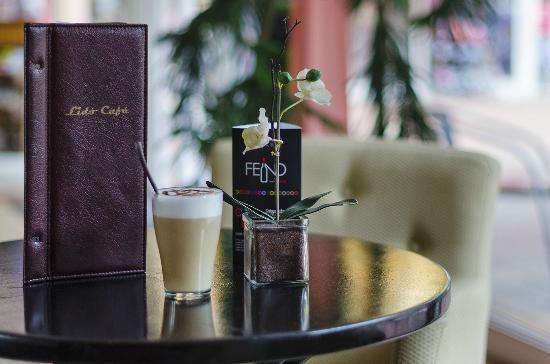 Hotel Lido: Bar detail