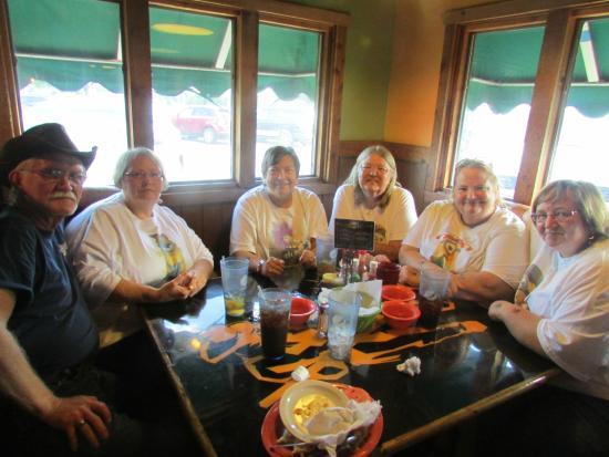 Denison, Айова: 6 Happy & Satisfied Food Lovers :)