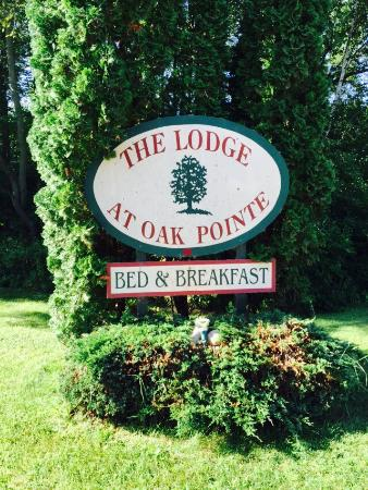 The Lodge at Oak Pointe