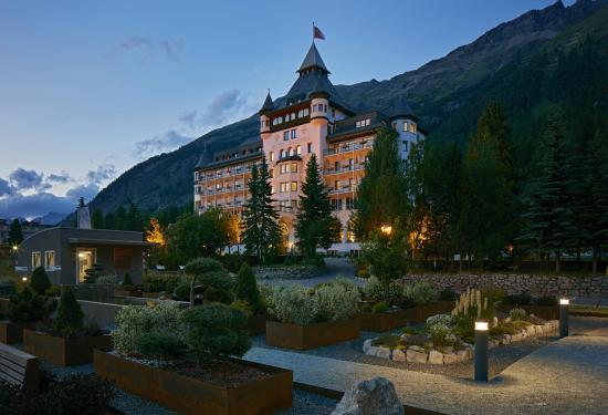 Hotel Walther: Aussenansicht im Abendlicht