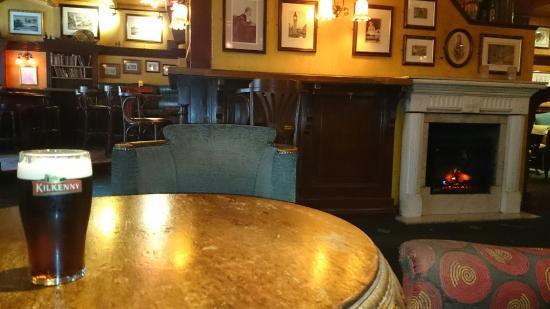 Sir Winston's Public House: Sir Winston Pub & Pianobar