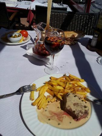 Restaurante El Churrasco: Filet de boeuf, sauce au poivre vert.