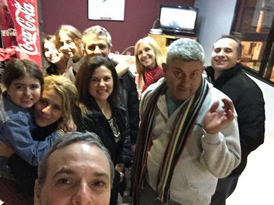 Restaurant de la sede  Club Atletico Lanus : Reunión de amigos en el restaurante del club Lanús Adri Marce Sandru Robert Walter Fass Gabriel