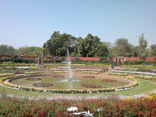 Circular Garden Picture Of Mughal Garden New Delhi