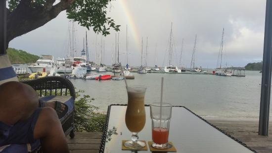 Petite Calivigny, Grenada: cocktails n rainbows.