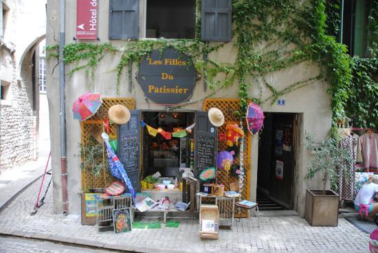 Les Filles du Patissier : Le restaurant joyeux.
