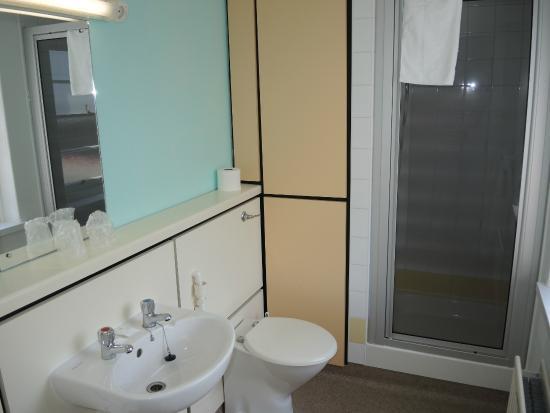 Hinsley Hall, bathroom