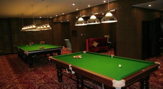 Chong Qing Hotel: бильярд