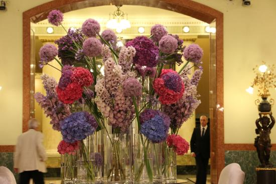Hotel Metropol Moscow: Fresh flowers everyday