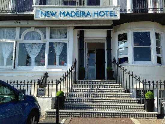 New Madeira Hotel: Парадный вход