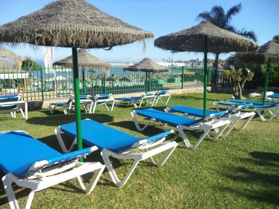 Piscina picture of sol timor apartamentos torremolinos for Piscina torremolinos