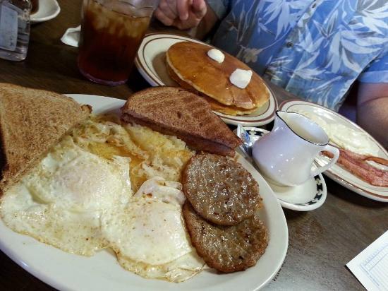 Wakeeney (KS) United States  City new picture : ... needs to go! Foto van Jake and Chet's Cafe, WaKeeney TripAdvisor