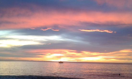 Hotel El Velero: Playa Hermosa sunset