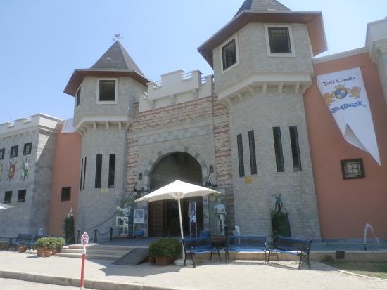 Yali Castle Aquapark: vue extérieure