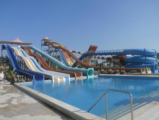 Yali Castle Aquapark: vue intérieure