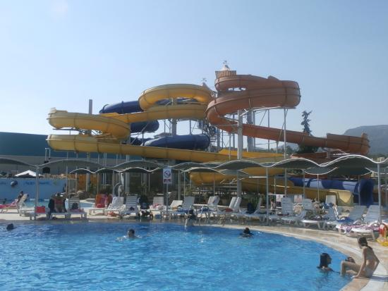 vue intérieure - Picture of Yali Castle Aquapark, Gumuldur ...