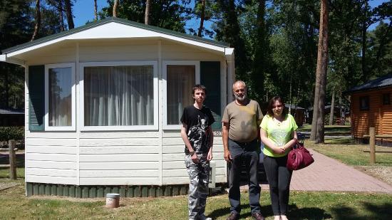Landal Mooi Zutendaal: Out side out caravan