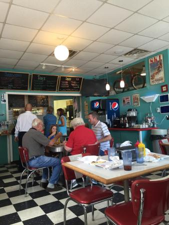 Panora, IA: Very cute diner! Good selection of burgers, salads and sides! Malts, sundaes and cones too! Bett