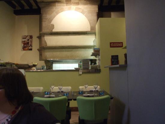Une Cuisine Qui N A Rien A Cacher Picture Of Les Pieds Sous La