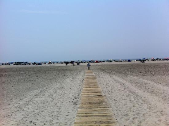 Sea Chest Motel : Beach