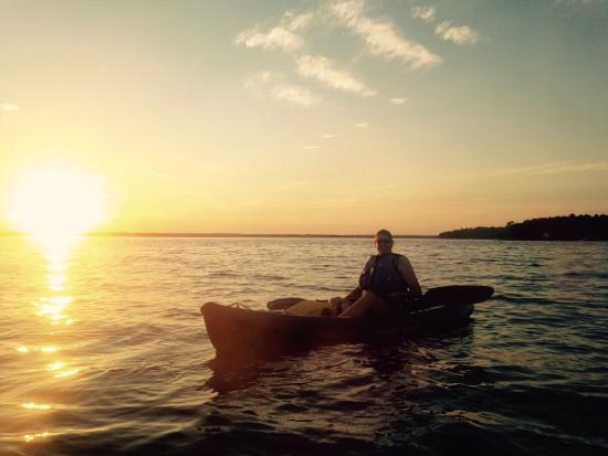 Gravity Trails: Awesome sunset paddle