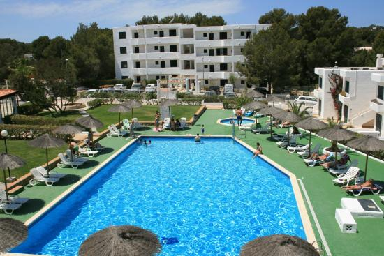 Torrent Bay by Intercorp Hotel Group: La piscina