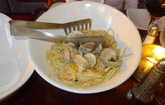 Centro Grille: Linguine with clams