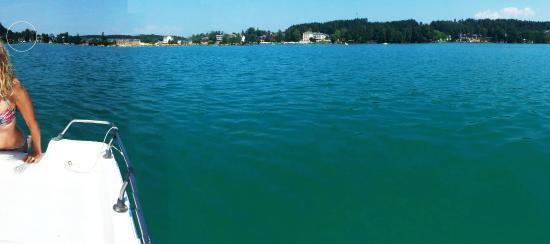 Haus am See: Blick zurück vom Tretboot