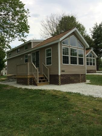 Circle M RV & Camping Resort: 38' Park Model with Loft