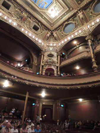 Victoria Hall: Beautiful