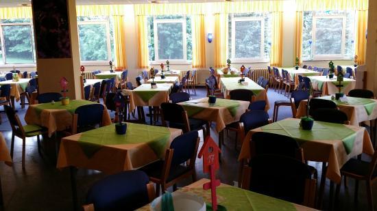 Hotel am Bühl: hier essen die Eltern mit den Kiddis