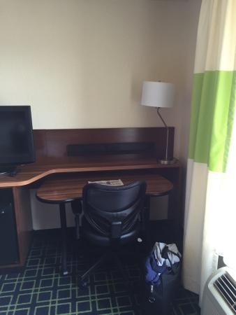Fairfield Inn & Suites Fairmont: Fairfield Inn and Suites – Fairmont