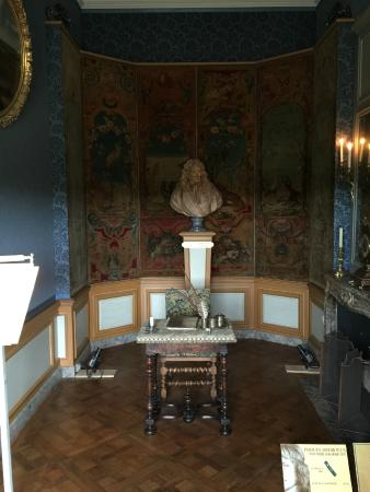 bureau de jean de la fontaine picture of chateau de vaux. Black Bedroom Furniture Sets. Home Design Ideas