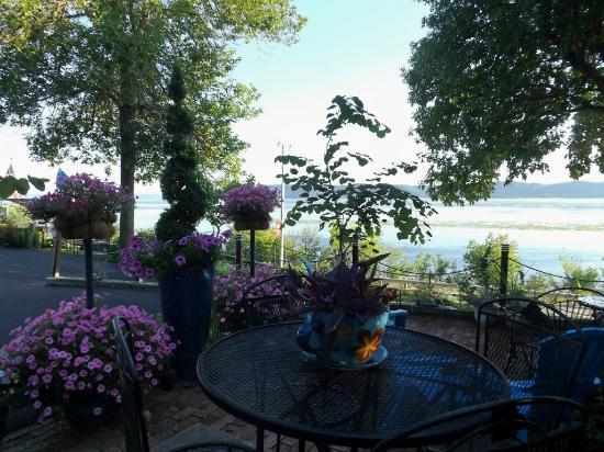 Ferryville, WI: patio