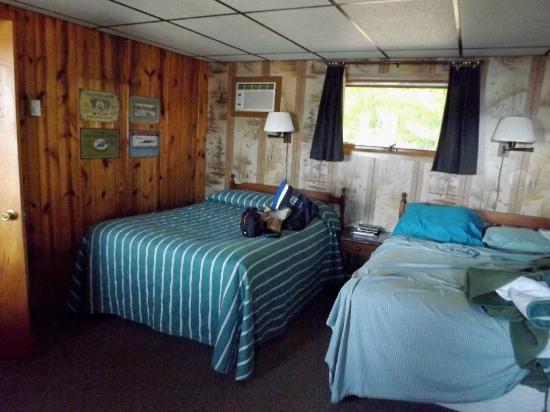 Ferryville, WI: room