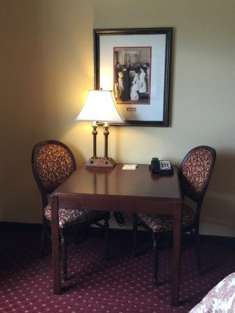 Palisade, CO: Desk/Writing table