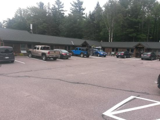Some of the rooms picture of cedar motor inn marquette for Cedar motor inn in marquette michigan
