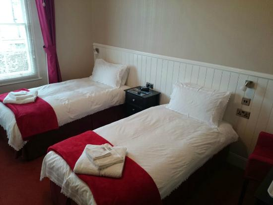 Merton Villa : very quiet and Comfortable beds and room