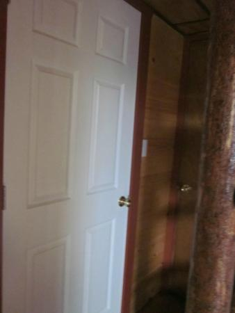 Yogi Bear\u0027s Jellystone Park C&-Resort Gardiner door hiding room with rancid odor : hiding door - pezcame.com