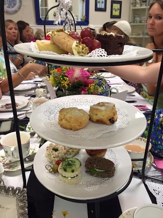 3 Sisters Tea: The Blue Willow afternoon tea