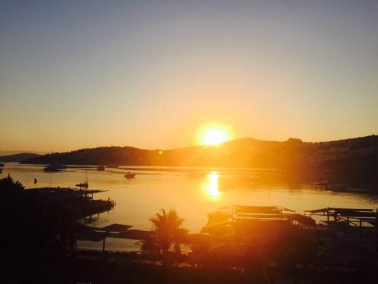 Casamia Hotel: Güneş'in Doğuşu