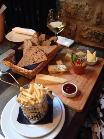 The Sun Hotel and Bar: Platter... Cheese selections