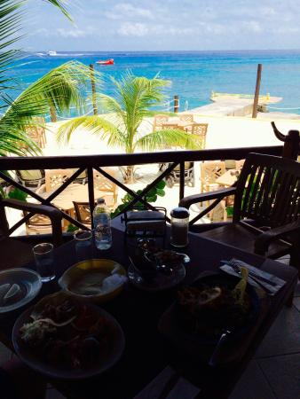 Very good view, good food, too if you pay with peso at this time. Breakfast buffet on weekends.