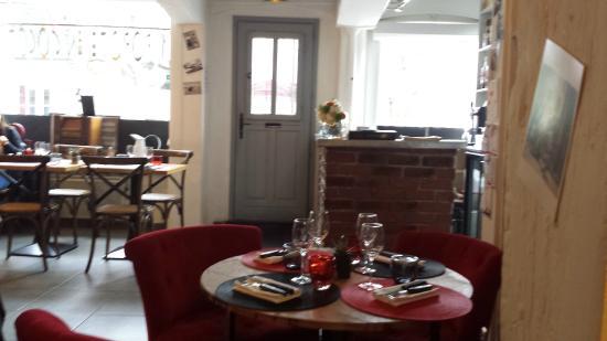Pont-L'Eveque, France: Salle de restaurant